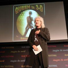 いいね!16件、コメント1件 ― @londonstereoscopiccompanyのInstagramアカウント: 「QUEEN IN 3-D LAUNCH - HAY-ON-WYE TALK. Brian at the beginning of the talk, thanking the audience…」