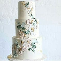 When we came across these buttercream cakes they brought to mind oil paintings done with a palette knife. So it was no surprise when we learned that the inspiration behind these wedding cakes was textured oil paintings! Always looking for new ways to work with buttercream, Sweet Bloom Cakes is a boutique studio, located in …