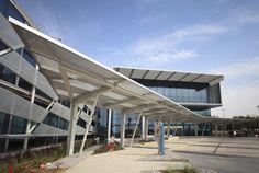 Centro de Diálisis Mafraq  / Stantec
