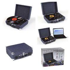Tocadiscos Clipsonic TES130 - con codificador - El Tocadiscos semi-automático con impulso por correa le permite convertir tus canciones favoritas en formato mp3. Velocidad de giro: 33 1/3, y 45 vueltas-min, con 2 altavoces integrados estéreos de 3 W, conexión USB, codificador, permite reproducir sus discos vinilos en ficheros formato numérico. Batería incluida recargable de Litio - 0% mercurio y 0% cadmio -. Cable auxiliar jack, cable alimentación USB y CD software Audacity incluido para…