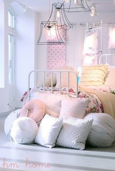 shabby, cottage chic at the beach in nice soft pinks and whites...Everything at the beach doesn't have to be blue.