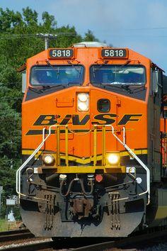 BNSF 5818