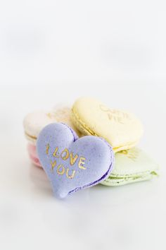 Give your Valentine of all ages something sweet, nostalgic, and homemade with the DIY conversation heart macarons. French Macaroons, Converse With Heart, Love Valentines, Valentine Desserts, Valentine Colors, Valentine Heart, Something Sweet, Cute Food, Cake Cookies