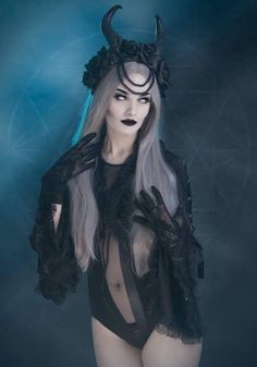 When You Want Gothic Jewelry, We Have The Tips You Need. Photo by shinycatcreations There is a lot more to owning gothic jewelry than being flashy and spending extravagant amounts of money. Goth Beauty, Dark Beauty, Dark Fashion, Gothic Fashion, Style Fashion, Fashion Clothes, Gothic Lingerie, Female Vampire, Hot Goth Girls