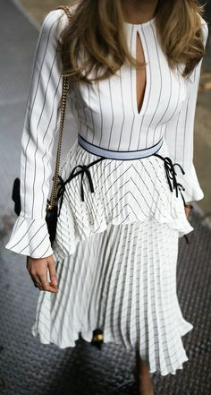 30 Dresses in 30 Days | Day 27: I just wanna dress up // White pinstripe pleated midi dress, black pointed toe heeled mules, black chain bag {Self Portrait, Gucci, classic style, fancy outfit, summer fashion, blogger}
