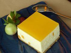Ingredientes:   1 mango maduro  1 taza de agua  1 sobrecito de gelatina sin sabor  1/2 taza de azucar morena  8 onzas de queso crema  1/...