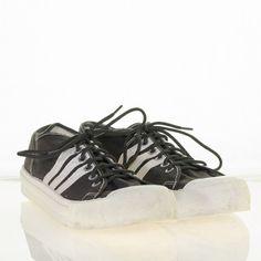 2e9e3a939b5d 1970 s Vintage Sneakers 8.5 Chuck All Star Style Uni-Grip 100 Rubber Sole  Shoes