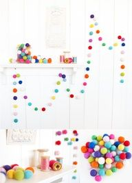 #diy styling idea Wool felt balls garland for a party (or christmas)