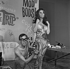 Models get their bodies painted for a 'paintin' in Los Angeles California in summer 1967 Woman Painting, Body Painting, Hippies 1960s, Film Logo, Image Model, Evolution Of Fashion, The Weather Channel, Historical Pictures, Looking Back
