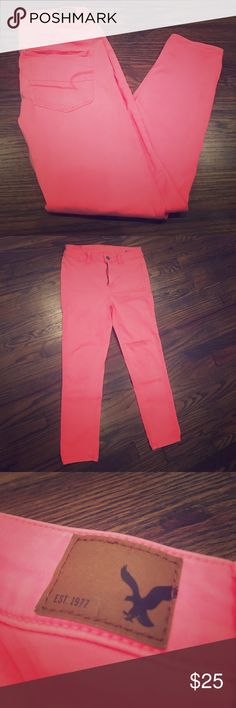 """American eagle super stretch jeggings American Eagle Hi-Rise Jegging Crop Super Super Stretch! Size 4. Color pink! Super cute! Used but in excellent condition! The inseam measures 22"""" and the rise measures 11"""" .. perfect fit! American Eagle Outfitters Pants Ankle & Cropped"""
