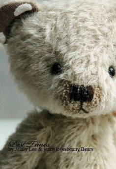 cute old teddy bear Old Teddy Bears, Vintage Teddy Bears, My Teddy Bear, Love Bear, Bear Doll, Old Toys, Baby Animals, Childhood, Kawaii
