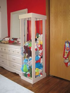 stuffed toy storage brilliant. Christy you need this for your girls room!