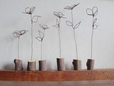 ....rami secchi!!!!! | Borsettefatteamano Copper Wire Art, Copper Jewelry, Wire Jewelry, Metal Art, Wood Art, Sculpture Art, Sculptures, Art Fil, Wire Flowers
