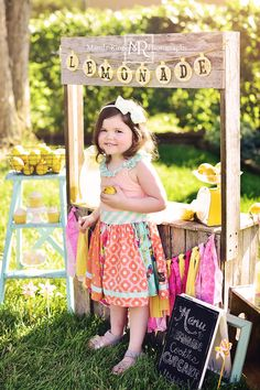 Lemonade Stand mini sessions by Mandy Ringe Photography