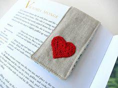 Tutorial: hidden magnet fabric bookmark - from Very Berry Handmade