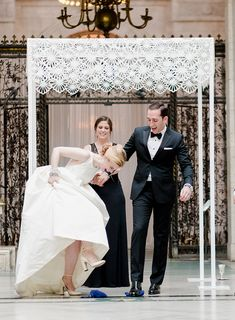Martha Stewart Weddings Winter 2015 features Emily and Max under the Chrysanthemum Chuppah at the Detroit Institute of Arts. Photo by Rebecca Yale Photography