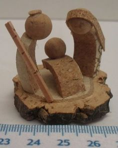 Presépios :: Arte&Cork Nativity Creche, Christmas Nativity Scene, Nativity Crafts, Xmas Crafts, Christmas Art, Christmas Decorations, Christmas Ornaments, Wine Craft, Wine Cork Crafts