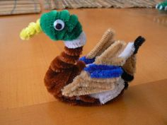 37 mallard duck craft http://hative.com/pipe-cleaner-animals-for-kids/