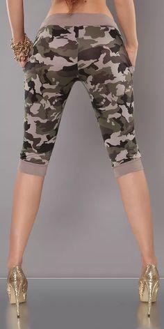 Army capri kalhoty Bermuda Shorts, Capri Pants, Army, Fashion, Gi Joe, Moda, Capri Trousers, Military, Fashion Styles