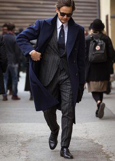 ビジネスマン必見! グレースーツが最も引立つ、着こなしのコツとは? | ファッションスナップ(メンズ) | LEON.JP