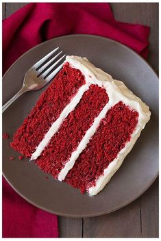 Bake A Perfect Vintage Style Red Velvet Cake Red Velvet cake gained a huge amoun. Bake A Perfect Vintage Style Red Velvet Cake Red Velvet cake gained a huge amount of popularity in the There Southern Red Velvet Cake, Best Red Velvet Cake, Red Velvet Cupcakes, Red Celvet Cake, Red Velvet Cake Moist, Red Velvet Cake Frosting, Blue Velvet Cakes, Food Cakes, Bolo Red Velvet Receita