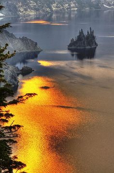 Phantom Ship Island, Crater Lake National Park, Oregon. Gorgeous!