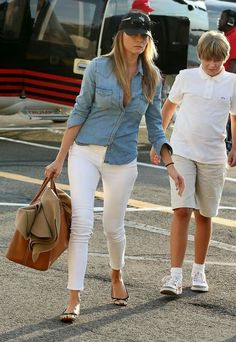 Melania Trump First Lady Chic Outfits, Summer Outfits, Fashion Outfits, Work Wardrobe, Fall Wardrobe, Look Camisa Jeans, Milania Trump Style, Melina Trump, Traje Casual