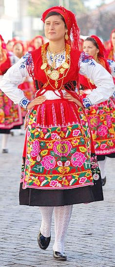 PIN NOW READ LATER - folkloric fasion wikimedia from portugal - READ ABOUT how to do the folkloric trend without looking like an IDIOT by clicking on this photo [this is a wikipedia creative commons photo which I can use for my articles or my blog] click to read at http://boomerinas.com/2013/03/how-to-do-folkloric-fashion-without-looking-like-heidi/