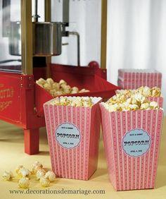 Décoration mariage cinéma : marque place, boîte à dragée,