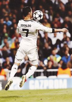 Pills Mix: Cristiano Ronaldo - Data y Fotos World Best Football Player, Good Soccer Players, Football Is Life, Soccer World, Football Players, Cristiano Ronaldo Portugal, Cristiano Ronaldo Juventus, Neymar Jr, Lionel Messi