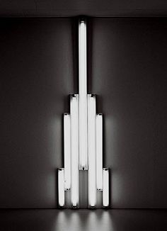 "Flavin, Dan - ""monument"" 1 for V. Tatlin - Conceptual art"