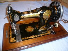 Jones Family Vintage Sewing Machine by ZionVintageCrafts on Etsy