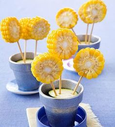 Decor for Crawfish/Shrimp Boil/Party: Corn Flowers Cute Food, Good Food, Yummy Food, Edible Crafts, Edible Art, Snacks Für Party, Bbq Party, Food Humor, Kid Friendly Meals