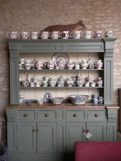 Emma Bridgewater Collection. The perfect dresser,don't think I could keep it this tidy.