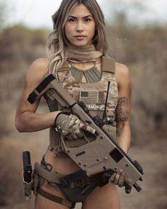 Military Girls - девушки и оружие