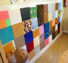Sensory Wall shared by The EYLF Page . An inspiring idea for show and tell ~ send home a piece of cardstock.and on each childs' presentation day, voila! An artifact to add to the wall, and a discussion/ jumping off point.-I like the sensory wall. Sensory Wall, Sensory Rooms, Sensory Boards, Baby Sensory, Sensory Tubs, Multi Sensory, Sensory Room Autism, Preschool Classroom, Classroom Decor