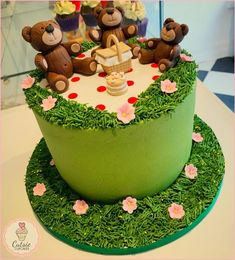 Teddy Bears Picnic by Cutsie Cupcakes
