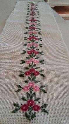 Cross Stitch Boarders, Cross Stitch Bookmarks, Simple Cross Stitch, Cross Stitch Rose, Cross Stitch Flowers, Cross Stitch Designs, Cross Stitching, Cross Stitch Embroidery, Embroidery Patterns