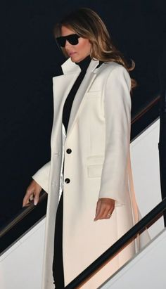 Fashion Notes: Melania Trump is Parisian Chic in Saint Laurent Returning from India You are in the right place about geek Chic Style Here we offer you the most beautiful pictures about the Chic Style Donald And Melania Trump, First Lady Melania Trump, Donald Trump, Malania Trump Style, Geek Chic Fashion, Saint Laurent, Parisian Chic, Style And Grace, School Fashion