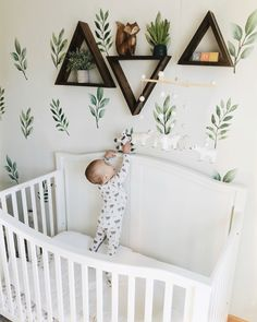 Baby Boy Nursery Room İdeas 677228862695562623 - Adorable nature and woodland inspired nursery, with bears and pine tree creek print pajamas Source by clothandkinshop Baby Room Boy, Baby Bedroom, Kids Bedroom, Baby Room Decor For Boys, Baby Rooms, Baby Room Green, Boy Nursey, Baby Bedding, Baby Room Design
