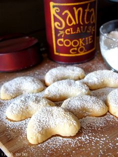 Almond Crescent Cookies - Vanila Kipferl to remind me of oma Luisa