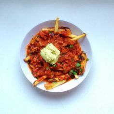 YUM. Kicking off the long weekend with Bacon & Pork Chilli on parsnip & sweet potato fries with guac #gf #glutenfree