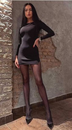 mini skirts and sexy legs Tight Dresses, Sexy Dresses, Short Dresses, Pantyhose Outfits, Nylons, Tall Women, Sexy Women, Lil Black Dress, Girls In Mini Skirts