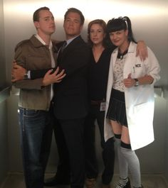 Pauly @Sean Glass Murray @M_Weatherly and @Diane Haan Lohmeyer Neal in the #NCIS elevator!