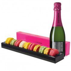 Les macarons Fruités & Le Champagne 10 macarons vanille, citron, pistache, framboise rose et une demi bouteille de champagne FAUCHON. #Champagne #MadeinF #macarons