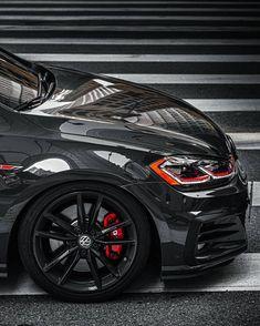 Vw Golf Wallpaper, Vw Polo Modified, Jetta A4, Volkswagen Golf R, Volkswagen Beetles, Golf 7 Gti, Gti Mk7, Black Audi, Best Luxury Cars