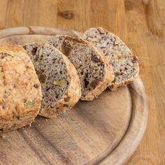 Kovářský trhancový chléb s vlašskými ořechy Bread, Food, Image, Breads, Hoods, Meals, Bakeries
