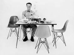 Charles Eames seated on a Dax chair. The fiberglass chairs by Eames Design, from the are the real expression of organic Charles Eames, Old Chairs, Eames Chairs, Eiffel Chair, Mid Century Modern Design, Cool House Designs, Furniture Design, Plastic Chairs, Acrylic Chair