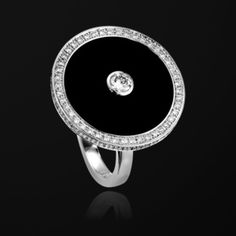 White gold Onyx Diamond Ring - Piaget Luxury Jewellery G34LF700