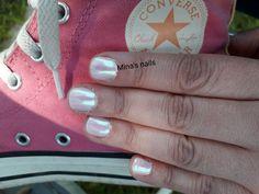 Pearl pink nails